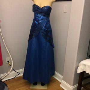 Jump apparel prom dress